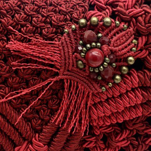 Detalle bolso color rojo colección Girona - Macramé - Marina Grafeuille