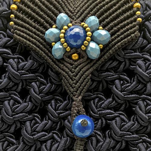 Detalle de bolso color azul marino colección Girona XL - Macramé - Marina Grafeuille