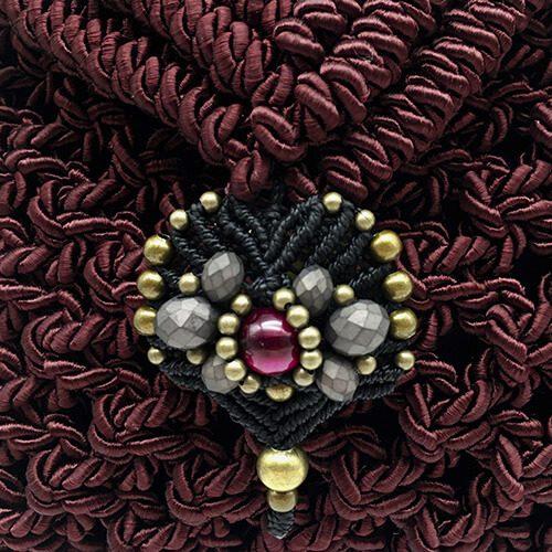 Detalle bolso color Bordeaux colección Valls - Macramé - Marina Grafeuille