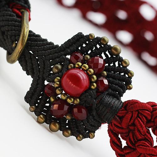 Detalle cinturón rojo colección Vich - Macramé - Marina Grafeuille