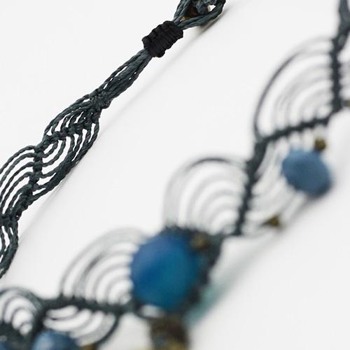 Detalle collar color azul colección Salo - Macramé - Marina Grafeuille