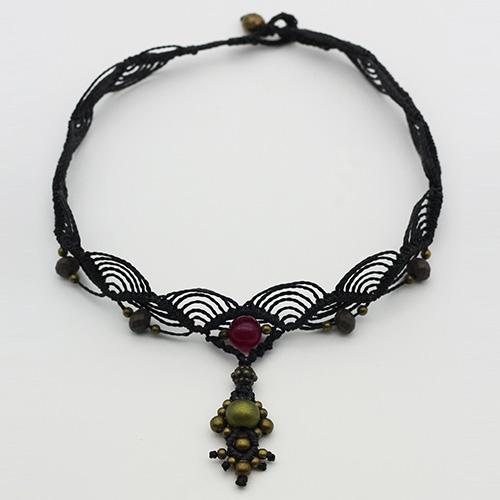 Detalle collar color negro colección Salo - Macramé - Marina Grafeuille