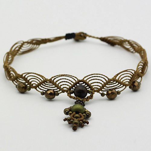 Detalle collar color ocre colección Salo - Macramé - Marina Grafeuille