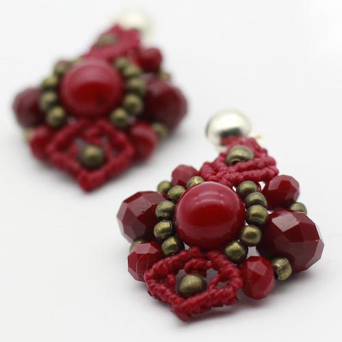 Detalles pendientes color rojo colección Ciudadela - Macramé - Marina Grafeuille