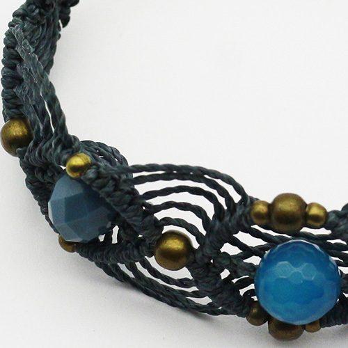 Detalle pulsera color azul colección Barcelona - Macramé - Marina Grafeuille