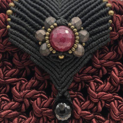 Detalle bolso color bordeaux colección Girona XL - Macramé - Marina Grafeuille