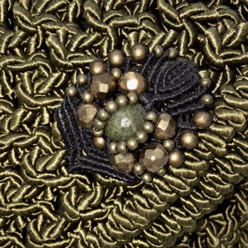 Detalle bolso color olivo colección Almetlla - Macramé - Marina Grafeuille