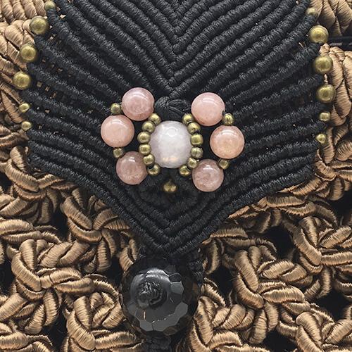 Detalle bolso color rosa Blush colección Girona XL - Macramé - Marina Grafeuille