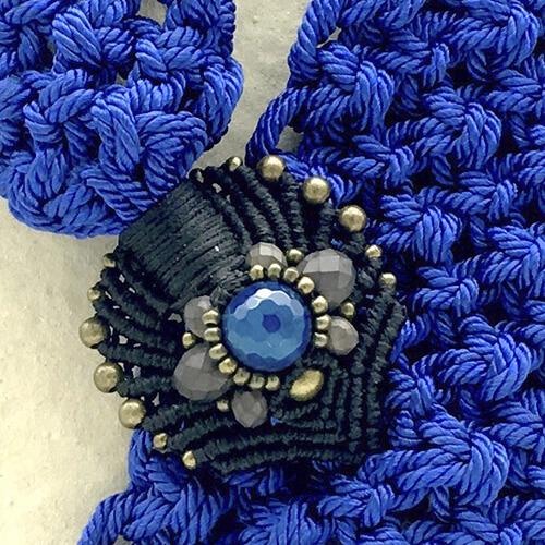 Detalle collar color azul francia colección Montblanc - Macramé - Marina Grafeuille