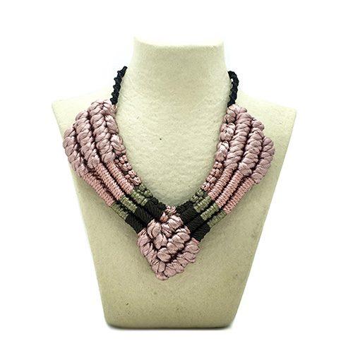 Collar color rosa viejo colección Figueres - Macramé - Marina Grafeuille
