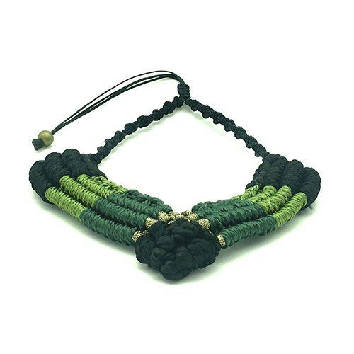 Detalle collar color verde malaquita colección Figueres - Macramé - Marina Grafeuille