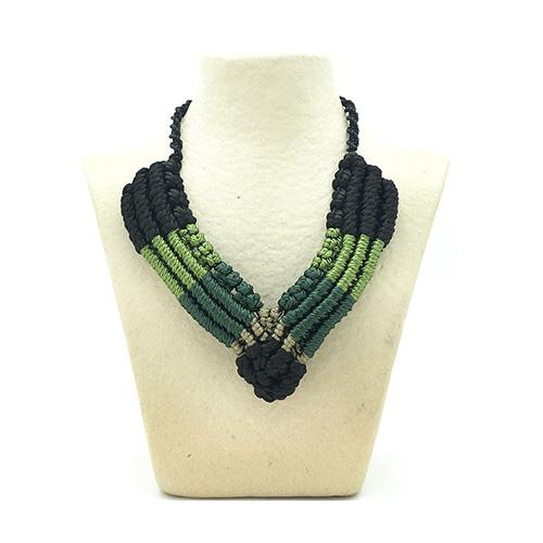 Collar color verde malaquita colección Figueres - Macramé - Marina Grafeuille
