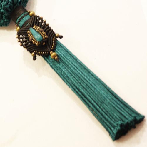 Detalle del bolso color turquesa oscuro colección Cadaquez - Macramé - Marina Grafeuille